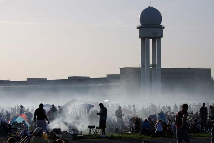 Grill-fog at Temelhofer Feld in Bergmannkiez