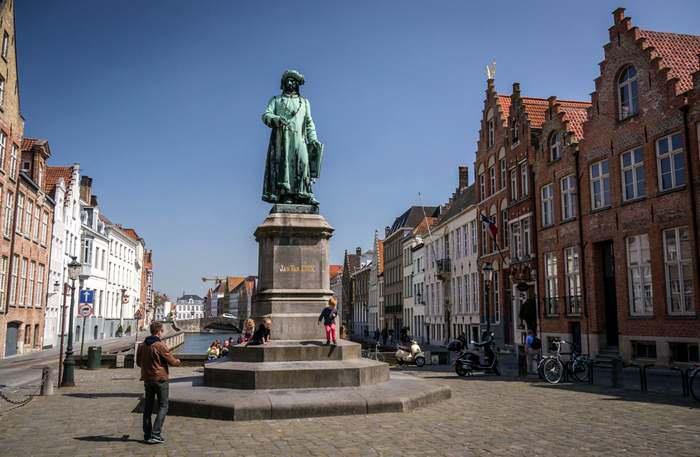 Van Eyck Square, Bruges